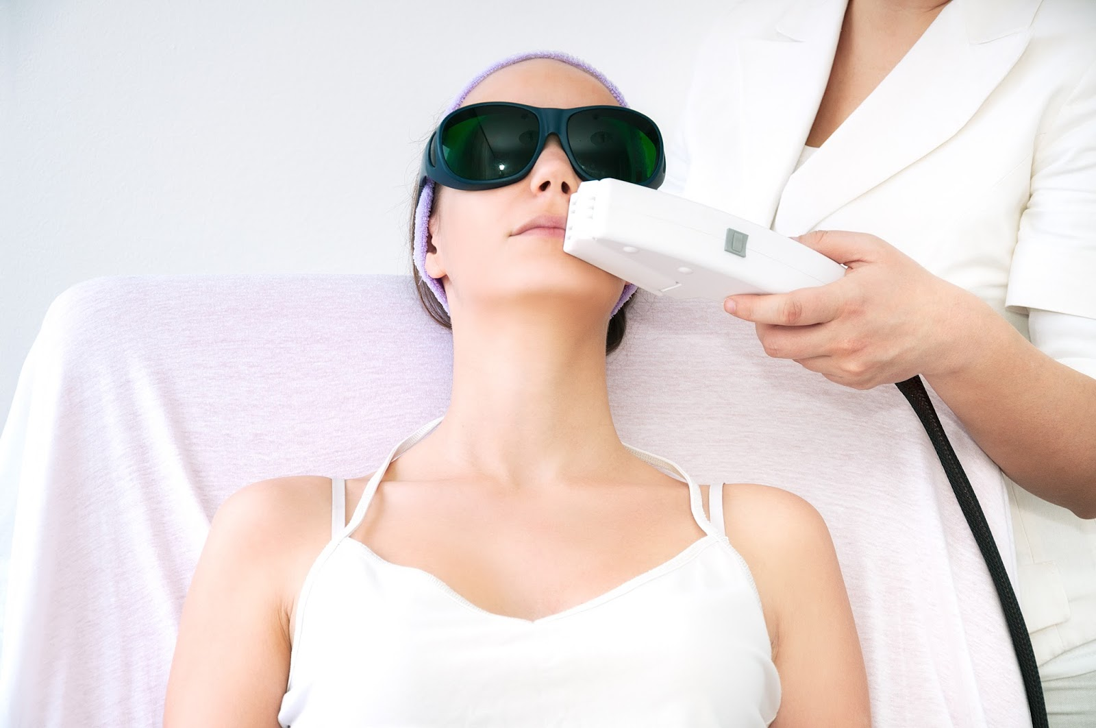 Have The High Satisfaction Laser Hair Removal Treatment In Vasundhara Clinics